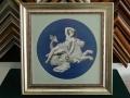 гоблен поставен в класическа барокова рамка